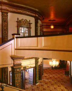 Blick vom ersten Stock in die Lobby © Tom Paiva, http://www.renaissancerialto.com/gallery.php