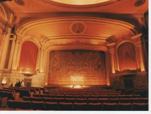 Haupt-Auditorium © Ken Roe, http://cinematreasures.org/theaters/414/photos/3656
