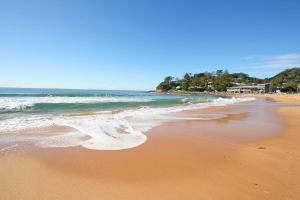 Avoca Beach © http://www.raineandhorne.com.au/terrigal/cms_lists/45/cms_items/24090/cms_pages/45
