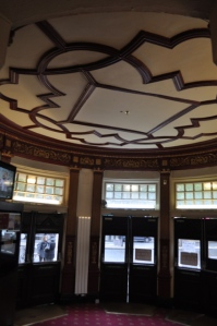 Foyer © Ken Roe, http://t1p.de/frqr