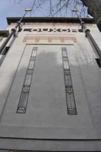 Le Louxor Fassade mit Mosaiken und Verzierungen © Ken Roe, http://cinematreasures.org/theaters/7521/photos/72040