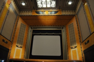 Hauptsaal des Le Louxor © Ken Roe, http://cinematreasures.org/theaters/7521/photos/72064