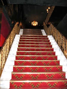 Treppe zur Main Lobby ©  Ed Solero, http://cinematreasures.org/theaters/12/photos/10280