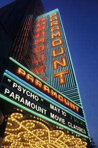 Fassade des Paramount © http://cinematreasures.org/theaters/27/photos/17642