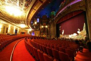 Blick auf die Bühne © http://zenaida.travel/zdat14/wp-content/uploads/180606edge11sml0.jpg