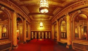 Foyer des Theatre Centres © http://torontoist.com/wp-content/uploads/2014/03/20140322ElginTheatre.jpg