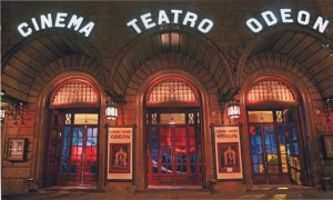 Eingangsbereich des Cinema Teatro Odeon © http://www.odeonfirenze.com/wp-content/uploads/2013/01/Cinema-Odeon-esterno.jpg