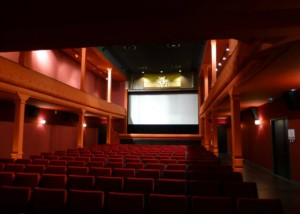 Neu sanierter Kinosaal © http://www.francetoday.com/articles/images/2013/11/2215-6856.main_f.jpg