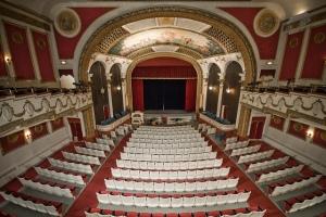 Auditorium des Columbus Theatre © Porcelain Doll, http://cinematreasures.org/theaters/5929/photos/29886