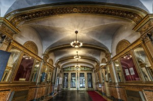 Eingangsbereich des Theaters © Frank C. Grace, http://cinematreasures.org/theaters/5929/photos/1508