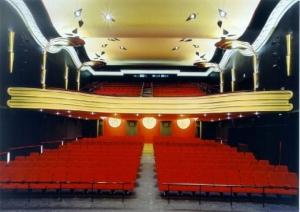 Blick auf den Kinosaal © http://www.port01.com/citytipps/Wiesbaden/Caligari_FilmBuehne-33-7015.htm