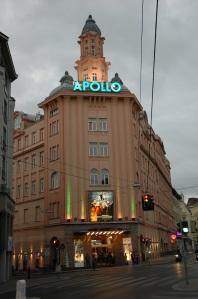 Fassade des Apollo Kinos © http://de.academic.ru/pictures/dewiki/97/apollo-kino_wien_2007.jpg