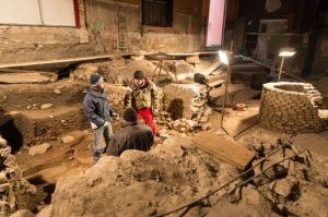 Die bei den Arbeiten gefundenen archäologischen Artefakte © Lionel Flusin, http://www.20min.ch/diashow/62690/62690-pGxZRYm1yY4eWiIXcc1l9g.jpg