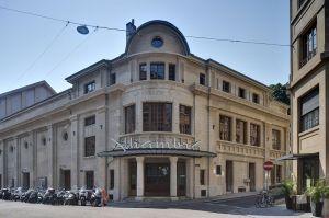 Fassade und Eingangsbereich mit Schriftzug © http://www.alhambra-geneve.ch/photos