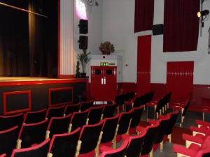 Das Auditorium des Kinos © http://www.users.waitrose.com/~welshrune/Hall%20Website/pictures/lge10168.JPG