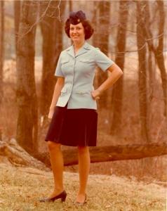 Weiterer Entwurf für die Damen der Coast Guard © https://4yournformation.files.wordpress.com/2011/01/edith-head-uniform-iv.jpg