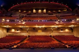 Blick auf den Zuschauerraum © http://www.threestooges.com/wp-content/uploads/2013/11/20100902-015158-720608.jpg