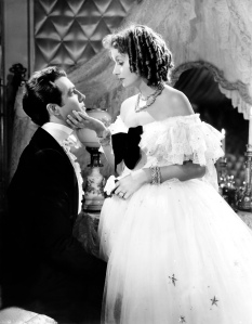 """Greta Garbo und Robert Taylor in """"Camille"""" (1936) © http://www.doctormacro.com/Images/Garbo,%20Greta/Annex/Annex%20-%20Garbo,%20Greta%20(Camille)_10.jpg"""
