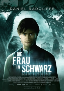 Die Frau in Schwarz (2012) © http://assets.cdn.moviepilot.de/assets/store/193e3e03411e17ca708189a2c167f37f3baf6e41117f7e4c7536209a3bb5/die-frau-in-schwarz-hauptplakat.jpg