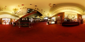Panoramablick auf den Eingangsbereich © http://vreality.perso.neuf.fr/Panophoto/Vignettes/Vignette%20Salle%20Accueil.jpg