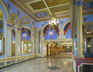 Lobby des Tivoli Theatre © https://www.pinterest.com/pin/227783693627505014/