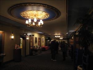 Blick auf die Gänge vor dem Auditorium © BWChicago, https://www.flickr.com/photos/bwchicago/1520413471/