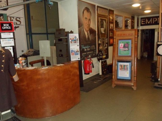 TheCinemaMuseum_Eingang01