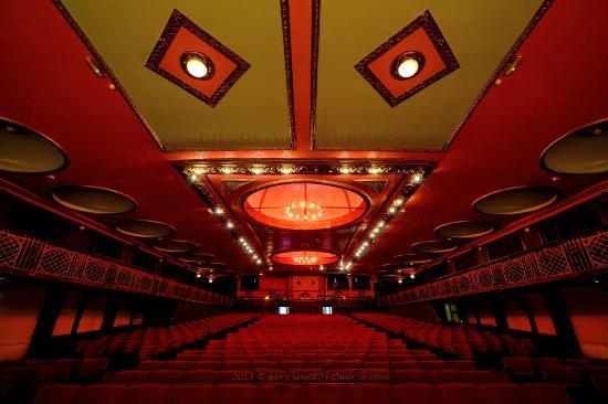 DomeCinema_Auditorium03