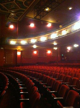 EverymanTheatre_Auditorium04