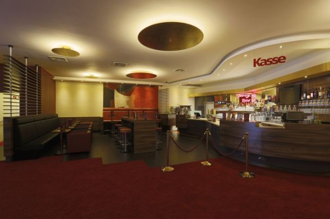 SavoyFilmtheater_Foyer02