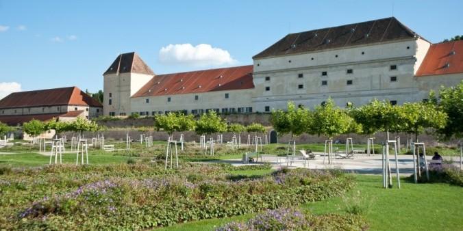 OpenAirKinos2_SchlossNeugebäude02