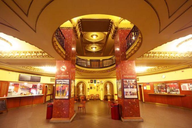 puskincinema_foyer-c-budapest-film