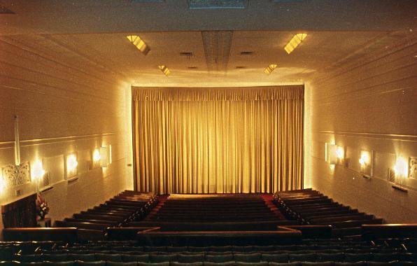 windsorcinema_saal01_barryinperth-cinematreasures