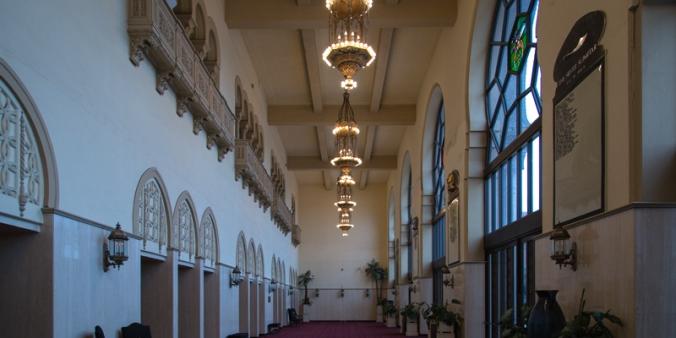 ShrineAuditorium_Foyer01