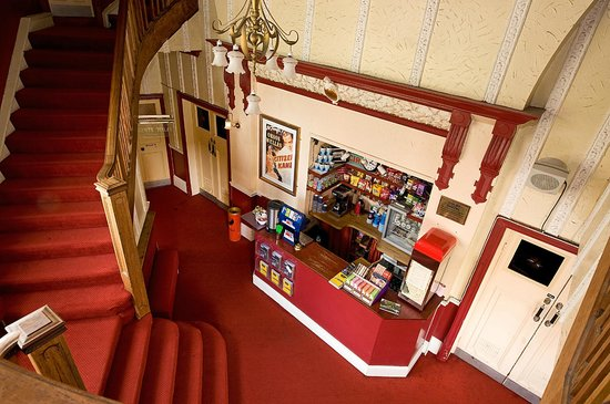 HydeParkPictureHouse_Foyer01 (c) TripAdvisor