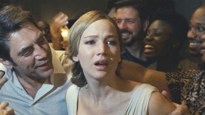 Mother_Javier Bardem, Jennifer Lawrence (c) Paramount Pictures