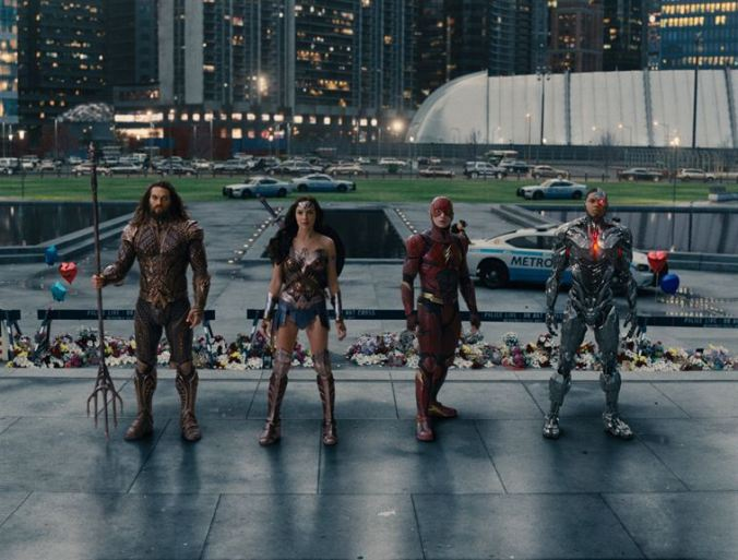 Justice League_Jason Momoa, Gal Gadot, Ezra Miller, Ray Fisher (c) Warner Bros.